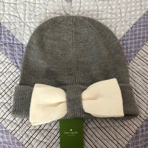 NWT Kate Spade bow beanie in light grey!